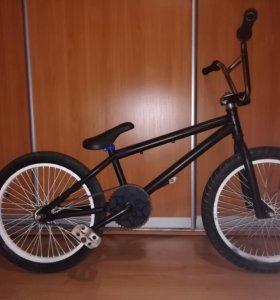 BMX- трюковой велосипед.