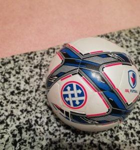 Мяч на миньку