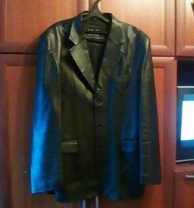 Кожаный пиджак.58-60размер