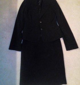 Костюм: пиджак и юбка
