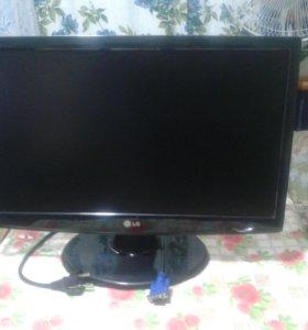 LG Flatron W2243S