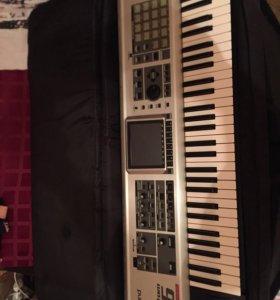 Синтезатор Roland fantom x6