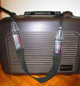 Видеокамера Hitachi VM-2380E (AV)