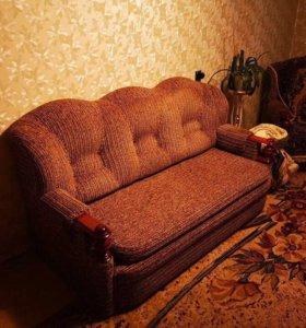 Удобный диван, 2 кресла-кровати с нишами для белья
