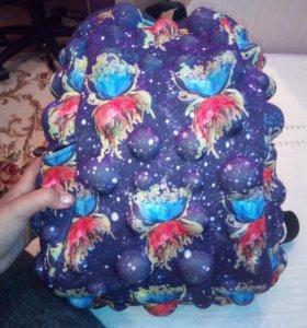 Пупырчаты рюкзак для девочки.