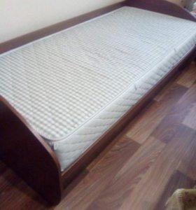 Кровать 1,5 спальная.