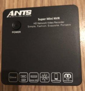 Восьмиканальный мини НВР видеорегистратор