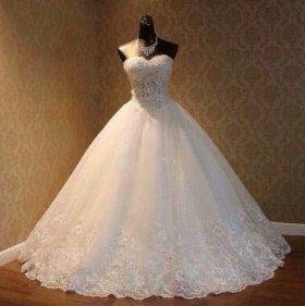 Срочная продажа!Свадебного платья с шубкой.
