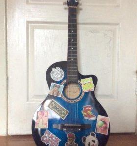 Акустическая гитара с чехлом