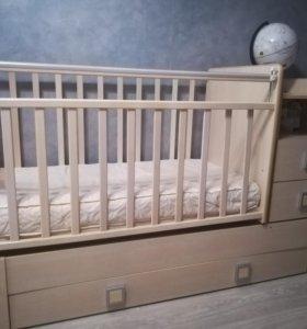 Детская кроватка,маятник!