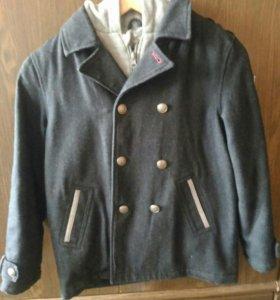 Тёплое осеннее пальто на мальчика рост 128-138
