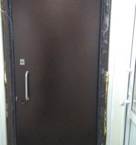 Б/у входная металлическая дверь 226х104 см