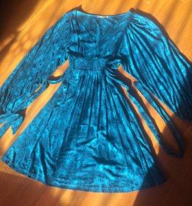 Платье изумрудное