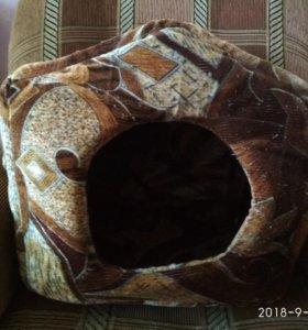 Домик-лежак для кошки