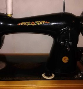 Швейная машина Подольск 2м ручная