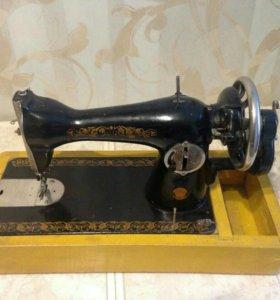Швейную машинку Подольск 2м ручная
