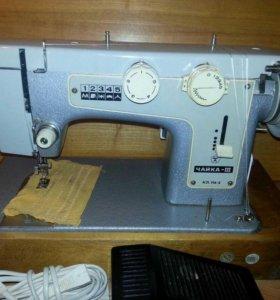 Швейную машинку Чайка 3