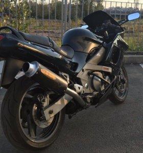 Мотоцикл Kawasaki ZZR 400
