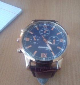 Часы деловые