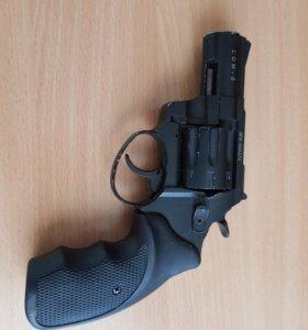 Револьвер сигнальный.