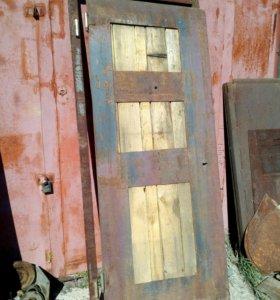 Продам дверь с каркасом