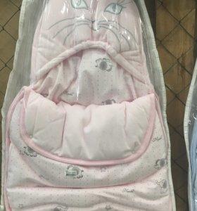 Продам два комплекта для новорожденных