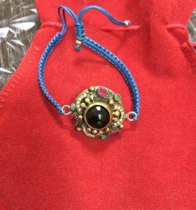 Продаю браслет серебряный с Драгоценными камня