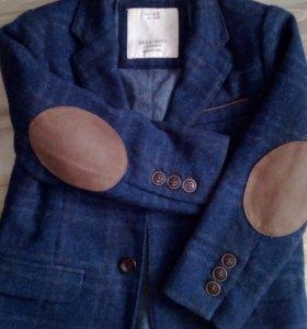 Модный пиджак на мальчика.