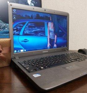 Ноутбук Samsung отличное состояние