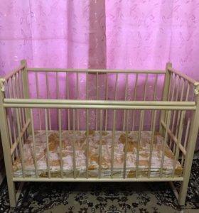 Детская кроватка с матрасом,бортиками и балдахином