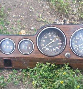 Приборная панель на ВАЗ 2103-06