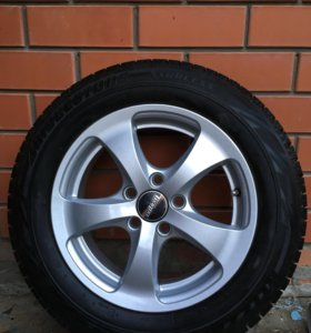 R14, Bridgestone зимние на литых дисках