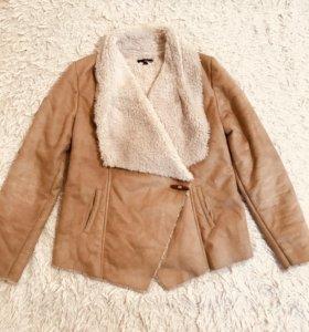 Демисезонная куртка (искусст дубленка)