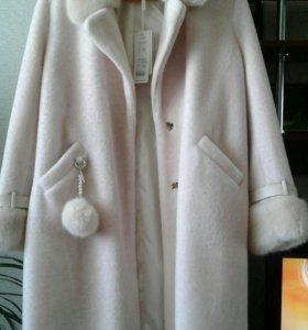 Пальто новое , чуть выше колена где-то на рост 168