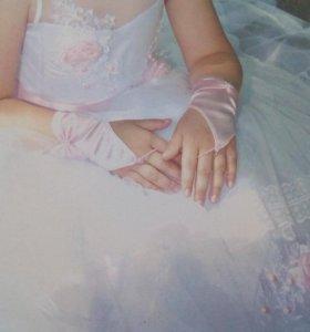 Праздничное платье р122-128туфли,перчатки в подаро