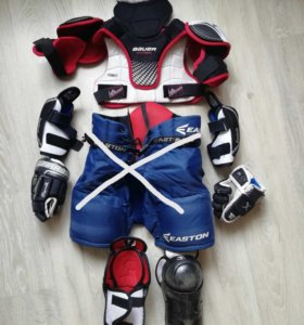 Хоккейная форма на 5-7 лет б/у в хорошем состоянии