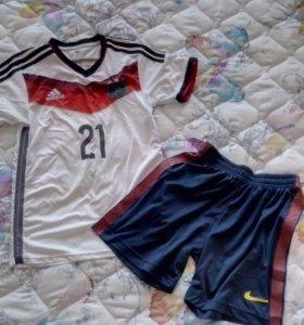 Футболка и шорты спортивные