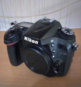 Nikon D7100 body + аксессуары