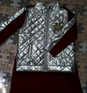 Новый костюм жилетка +платье