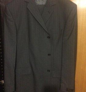 мужской костюм, новый со всеми бирками.