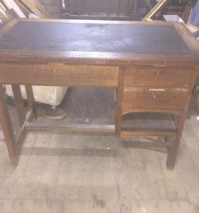 Стол старинный, конторский