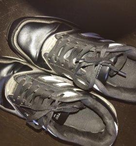 Продам кроссовки Б/У. Производство Китай.