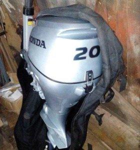 Лодочный мотор honda BF20... 2014 г