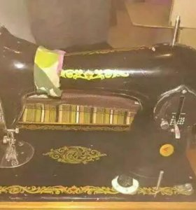 Швейная машина Подольск 2м ручная все