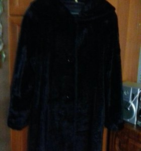 Пальто каракулевое