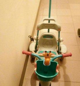 Велосипед детский, трёхколёсный.