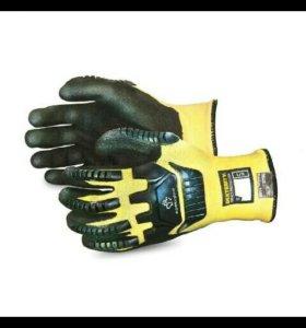 Строительские перчатки.