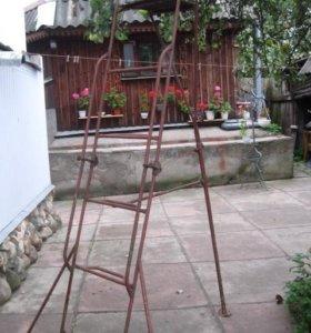 садовая железная стремянка