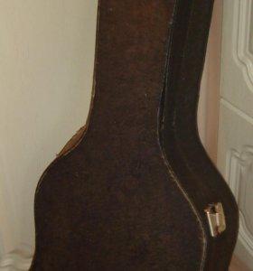 Чехол -корс для стандартной акустической гитары.