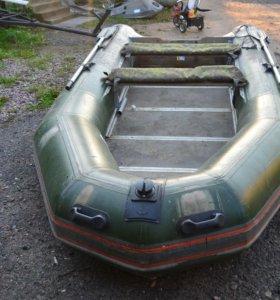 Лодка Фоварит 420
